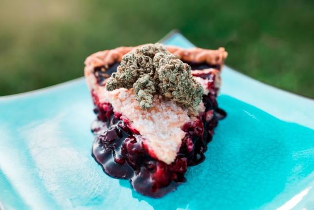 can i eat weed and get high?